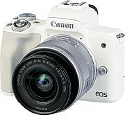 Die Canon EOS M50 Mark II ist auch mit weißem Gehäuse und silbernem Set-Objektiv erhältlich. [Foto: MediaNord]