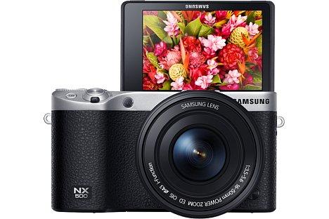 Bild 28 Megapixel löst der APS-C-Sensor der Samsung NX500 auf. Es handelt sich um denselben BSI-CMOS-Sensor wie in der NX1, somit ist die NX500 auch 4K-videofähig. [Foto: Samsung]