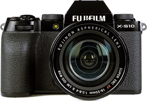 Bild Das XF 18-55 mm 2,8-4 R LM OIS passt optisch perfekt zur Fujifilm X-S10. [Foto: MediaNord]