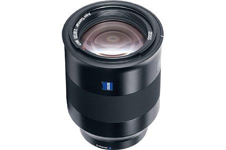 Bild Das Zeiss Batis 2.8/135 mm besitzt einen Autofokus und Bildstabilisator. Es ist zwar für das Kleinbild-Vollformat konzipiert, gibt aber auch an APS-C ein schönes Tele ab, dann halt mit umgerechnet 200 Millimetern. [Foto: Zeiss]