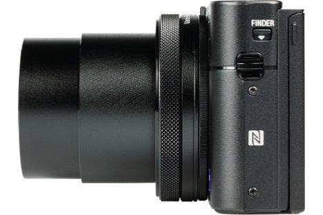 Bild Dank NFC und WLAN verbindet sich die Sony DSC-RX100 V problemlos mit Smartphones und Tablets, jedoch muss für umfangreiche Fernsteuerfunktionen erst eine App auf der Kamera installiert werden. [Foto: MediaNord]