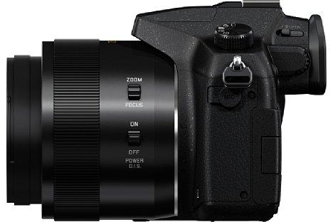Bild An der Seite des Objektivs der Panasonic Lumix DMC-FZ1000 lässt sich wählen, ob über den Einstellring fokussiert oder gezoomt werden soll. Des Weiteren kann hier der optische Bildstabilisator aktiviert werden. [Foto: Panasonic]