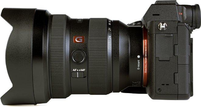 Bild Mit griffig gummierten Zoom- sowie Fokusring, Fokuswahlschalter und Funktionstaste bietet das Sony FE 12-24 mm F2.8 GM (SEL-1224GM) alle nötigen Bedienelemente. [Foto: MediaNord]