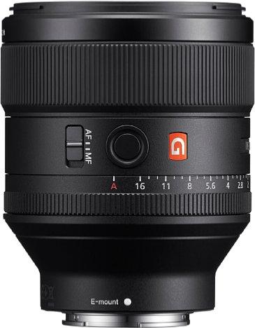 Bild Neben einem Blendenring (mit de-clickable-Funktion) verfügt das Sony FE 85 mm F1.4 GM (SEL85F14GM) auch über den obligatorischen Fokusring sowie eine Funktionstaste und einen AF-MF-Schalter. [Foto: Sony]