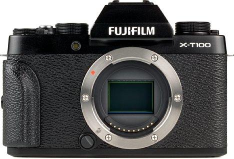 Bild Das Metallbajonett der Fujifilm X-T100 ist leicht erkennbar. [Foto: MediaNord]