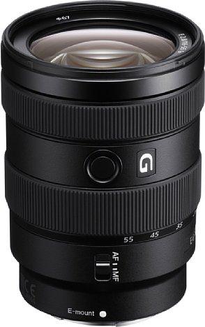Bild Im über neun Jahre alten spiegellosen System ist das Sony E 16-55 mm F2.8 G (SEL1655G) tatsächlich das erste lichtstarke Standardzoom. [Foto: Sony]