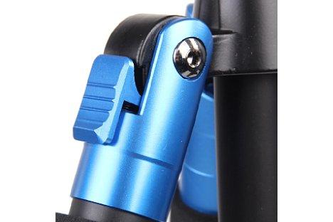 Bild Eine einfache Sperrmechanik sorgt dafür, dass der Anwender bestimmt, wann die Stativbeine einen bestimmten Winkel überschreiten dürfen. [Foto: Bilora]