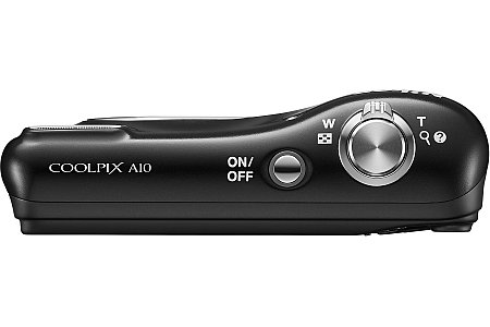 Bild Im Handgriff der Nikon Coolpix A10 verbergen sich zwei AA-Rundzellen, womit sich einfach Ersatzbatterien oder Akkus beschaffen lassen. [Foto: Nikon]