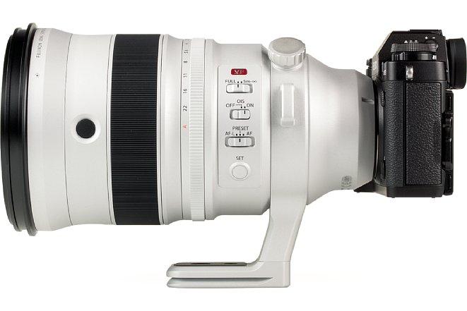 Bild Die Fujifilm X-T3 wirkt amXF 200 mm F2 R LM OIS WR fast schon zierlich. Erst in dieser Ansicht werden die Dimensionen der Festbrennweite mit 305 mm Kleinbildäquivalent deutlich. [Foto: MediaNord]