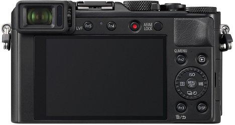 Bild Neben dem 2,8 Millionen Bildpunkte auflösenden, 0,7-fach vergrößernden Sucher bietet die Panasonic Lumix DMC-LX100 II einen 1,2 Millionen Bildpunkte auflösenden, 7,5 Zentimeter großen Touchscreen, der allerdings nicht beweglich ist. [Foto: Panasonic]