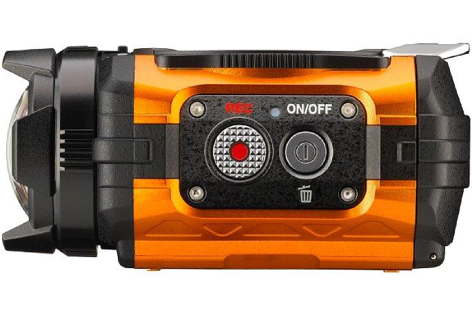 Bild Ein/Aus-Schalter der Ricoh WG-M1 und der Aufnahme-Knopf an der linken Gehäuseseite. [Foto: Ricoh]