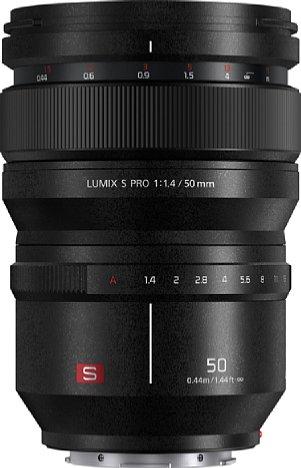Bild Zieht man den Fokusring des Panasonic S Pro 50 mm F1,4 (S-X50E) nach hinten, gibt er eine Schärfeskala frei. [Foto: Panasonic]