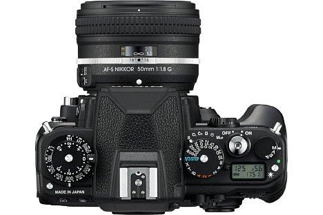 Bild Belichtungszeit, ISO-Empfindlichkeit und Belichtungskorrektur werden bei der Nikon Df ganz klassisch über Räder eingestellt. Ein kleines Status-Display informiert über weitere Aufnahmeparameter. [Foto: Nikon]