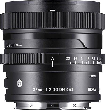 Bild Die Riffelungen am Fokus- und Blendenring des Sigma 35 mm F2 DG DN Contemporary sorgen für Griffigkeit. [Foto: Sigma]