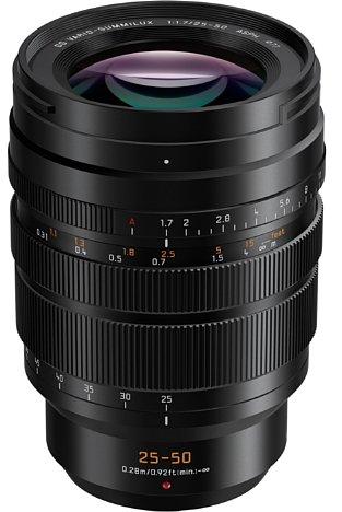 Bild Das Panasonic Leica DG Vario-Summilux 25-50 mm 1.7 Asph (H-X2550) besitzt dasselbe Design und (nahezu) dieselbe Größe wie das 10-25 mm F1.7, so dass die Objektive nahtlos verwendet werden können. [Foto: Panasonic]