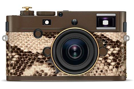 """Bild Die Leica M Monochrom """"Drifter"""" by Kravitz Design ist mit einer Schlangenhaut aus Kunstleder versehen. [Foto: Leica]"""