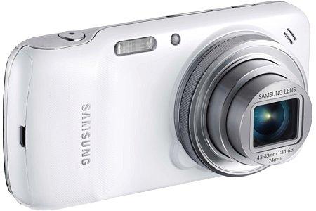 Bild Das Samsung Galaxy S4 Zoom besitzt ein optisches Zehnfachzoom von 24-240 mm und einen 16 Megapixel auflösenden BSI-CMOS-Sensor. [Foto: Samsung]