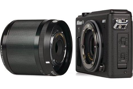 Bild Ein dicker Silikonring am Bajonett das Gehäuses der Nikon 1 AW1 sorgt in Verbindung mit dem speziellen Objektivtubus der beiden wasserdichten Objektive dafür, das beides zusammen bis 15 Meter unter Wasser dicht ist. [Foto: MediaNord]