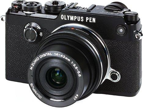 Bild Olympus Pen-F mit 14-42 mm ED EZ. [Foto: MediaNord]