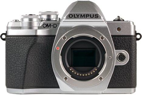 Bild Der Four-Thirds-Bildsensor der Olympus OM-D E-M10 Mark III löst weiterhin 16 Megapixel auf. Die bewegliche Lagerung zur 5-Achsen-Bildstabilisierung ermöglicht bis zu vier Blendenstufen längere Belichtungszeiten aus der Hand. [Foto: MediaNord]