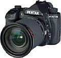 Die Pentax K-3 Mark III besitzt ein gedrungenes, sehr gut gegen Spritzwasser und Staub abgedichtetes Leichtmetallgehäuse. [Foto: MediaNord]