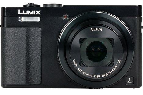 Bild Der eingebaute Blitz sitzt bei der Panasonic Lumix DMC-TZ71 direkt über dem Handgriff und wird viel zu leicht versehentlich vom Mittelfinger verdeckt. [Foto: MediaNord]