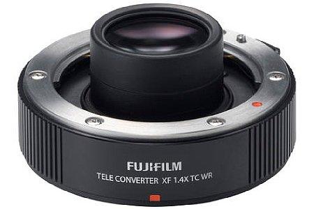 Bild Der Fujifilm XF 1.4X TC WR Telekonverter verlängert die Brennweite des Objektivs um den Faktor 1,4, während die Lichtstärke um eine Blendenstufe sinkt. [Foto: Fujifilm]