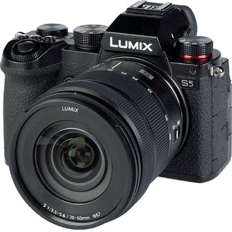 Bild Panasonic Lumix DC-S5 mit S 20-60 mm. [Foto: MediaNord]