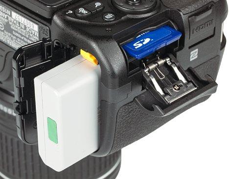 Bild Nikon D5600 Speicherkartenfach und Akkufach. [Foto: MediaNord]