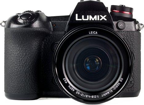 Bild Knapp 1.700 Euro UVP kostet die Panasonic Lumix DC-G9. Mit dem abgebildeten und empfehlenswerten Setobjektiv Leica DG Vario 12-60 mm 2.8-4 werden sogar fast 2.300 Euro fällig. [Foto: MediaNord]