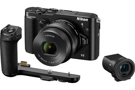 Bild Die Nikon 1 V3 mit 10-30 mm Motorzoom-Objektiv, Aufstecksucher DF-N1000 und Zusatzgriff GR-N1010. [Foto: Nikon]