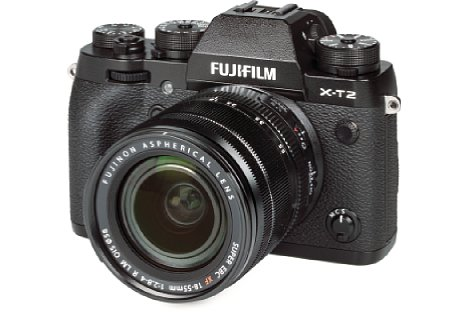Bild Die Fujifilm X-T2 besitzt ein spritzwassergeschütztes Metallgehäuse im Design der 80er Jahre. [Foto: MediaNord]