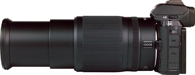 Bild Ausgefahren auf volle Brennweite reckt sich das Nikon Z 50-250 mm 4,5-6,3 VR DX auf stolze 19 Zentimeter Länge. [Foto: MediaNord]