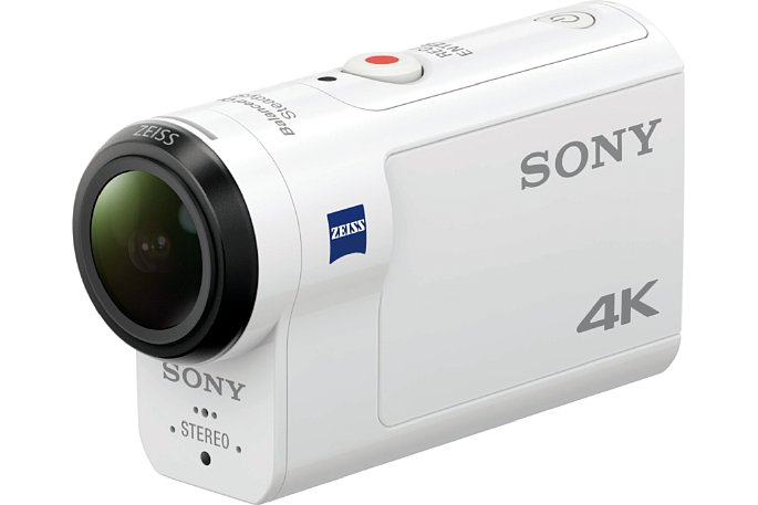 """Bild Die kleine """"Beule"""" im Gehäuse der Sony FDR-X3000 ist neu (die Vorgängermodelle waren """"platt""""). Darin sitzt der optische Bildstabilisator """"Balanced Optical Steady Shot"""". [Foto: Sony]"""