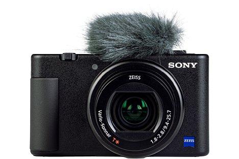 Bild Ein Mikrofonpuschel (auch Deadcat genannt) gehört zum Lieferumfang der Sony ZV-1. Er filtert Windgeräusche gut, verdeckt allerdings den Einschaltknopf. [Foto: MediaNord]