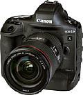 Die Canon EOS-1D X Mark III besitzt ein robustes Gehäuse aus einer Magnesiumlegierung, das mit zahlreichen Dichtungen gegen das Eindringen von Staub und Spritzwasser geschützt ist.. [Foto: MediaNord]
