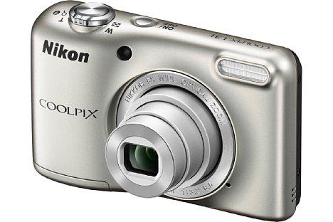 Bild Aber auch in klassischem Silber will Nikon die Coolpix L31 anbieten. In allen vier Farben kommt die L31 Ende Januar 2015 auf den Markt und soll lediglich 80 Euro kosten, Batterien und Tasche gehören zum Lieferumfang. [Foto: Nikon]