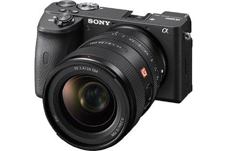 Bild Sony Alpha 6600 mit FE 24 mm 1:1.4 GM. [Foto: Sony]