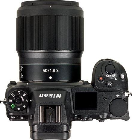 Bild Das Nikon Z 50 mm F1.8 S passt perfekt zur Nikon Z 7 (und zur Z 6, die dasselbe Gehäuse hat). Im Gegensatz zur Z 6 bringt die Z 7 das 50 mm zumindest an den Bildrändern an seine optischen Auflösungsgrenzen. [Foto: MediaNord]