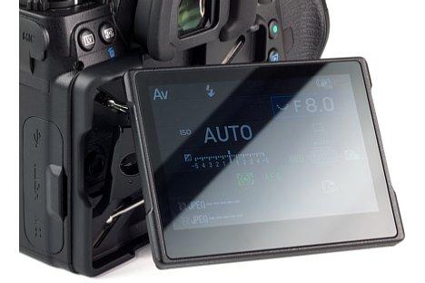 Bild Auch leicht verdrehen lässt sich der Bildschirm der Pentax K-1 Mark II. [Foto: MediaNord]