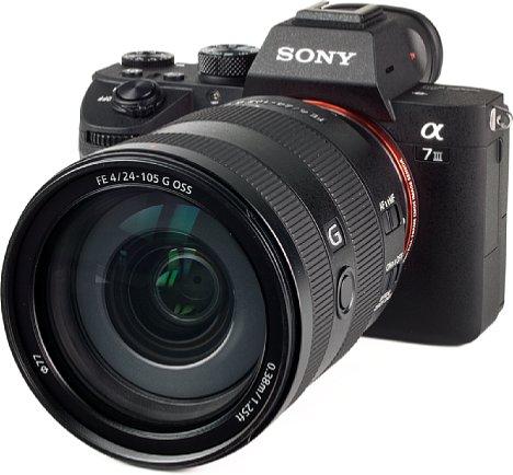 Bild Die Sony Alpha 7 III will mit ihrem guten Preis-Leistungsverhältnis überzeugen. Für das Geld gibt es viel Ausstattung und Performance sowie Bildqualität. [Foto: MediaNord]