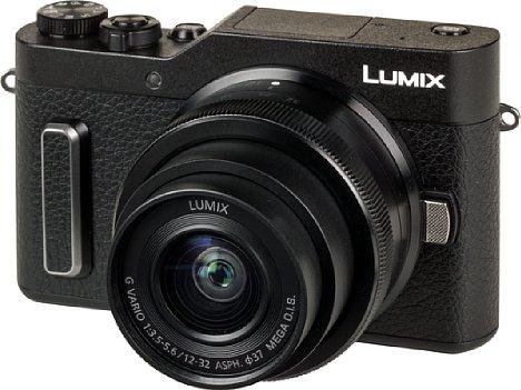 Bild Die Lumix DC-GX880 ist das Systemkamera-Einsteigermodell von Panasonic und tritt die Nachfolge der GX800 an. Neu ist etwa der kleine Griffsteg, der tatsächlich für besseren Halt sorgt. [Foto: MediaNord]