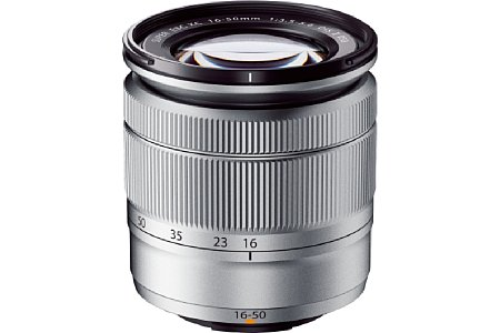 Bild Das neue Setobjektiv Fujifilm XC 16-50 mm F3.5-5.6 OIS II ist nun Silber statt Schwarz und bietet einen Makro-AF. [Foto: Fujifilm]