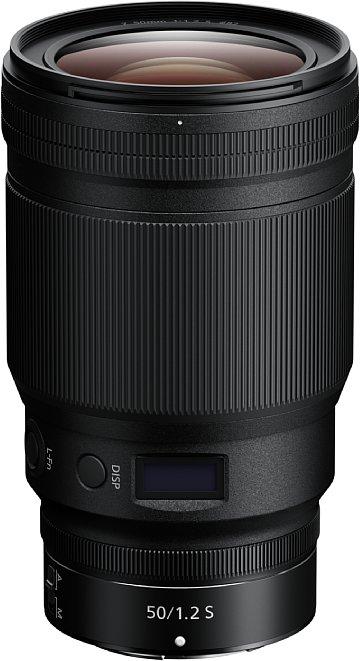 """Bild Scheinbar besitzt das Nikon Z 50 mm F1.2 S drei Einstellringe, der ganz vorne ist aber nur """"Fake"""", obwohl er sogar breiter ist das der hintere Multifunktionsring. [Foto: Nikon]"""