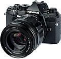 Olympus OM-D E-M5 III mit dem vollmanuellen Objektiv Voigtländer 29 mm 1:0,8 Super Nokton asphärisch. [Foto: MediaNord]