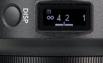 Bild Auf dem Display des Nikon Z 50 mm F1.2 S wird nicht nur eine Entfernungsskala angezeigt, sondern auch noch die sich aus Blende und Entfernung ergebende Schärfentiefe. [Foto: MediaNord]