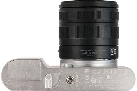 Bild Das Stativgewinde der Leica T (Typ 701) sitzt deutlich außerhalb der optischen Achse. [Foto: MediaNord]
