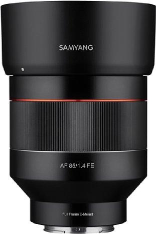Bild Eine Streulichtblende gehört beim Samyang AF 85 mm F1.4 FE zum Lieferumfang und sollte aufgrund der hohen Streulichtempfindlichkeit des Objektivs auch konsequent verwendet werden. [Foto: Samyang]