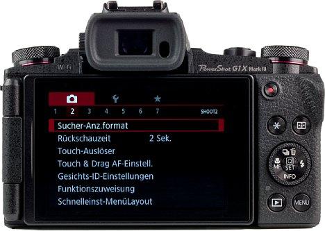 Bild Der große dreh- und schwenkbare Bildschirm belegt fast die gesamte Rückseite der Canon PowerShot G1 X Mark III. Da bleibt nicht mehr allzu viel Platz für Tasten. [Foto: MediaNord]