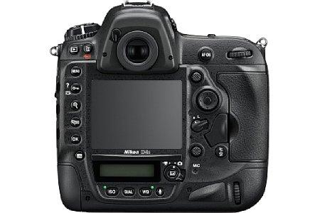 Bild Wer die Änderungen an den Bedienelementen der Nikon D4S entdecken möchte, muss schon sehr genau hinschauen, denn es wurden lediglich einige Knöpfe um Millimeter verlegt, um die Ergonomie zu optimieren. [Foto: Nikon]